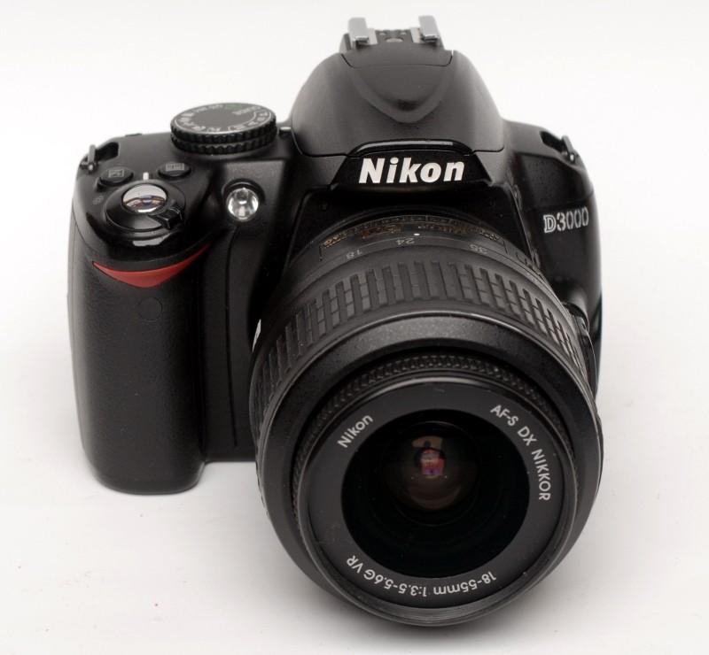 Nikon D3000 with 18-55/f3.5-5.6 DX VR lens