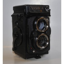 Yashica Mat 124 G Twin Lens Reflex Camera with Yashinon 80mm f3.5 Lens